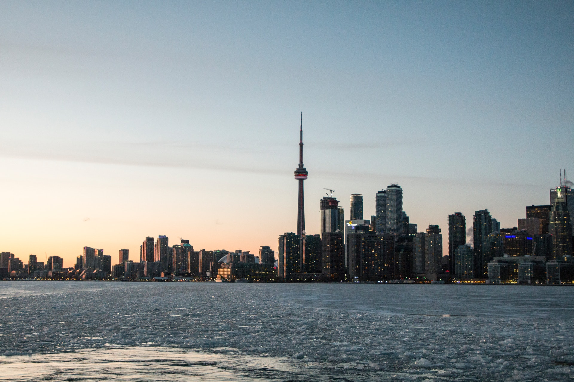 Toronto home prices continue to rise